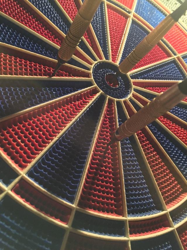 Clasificamos loselementos del conflicto en estructurales y dinámicos. En este post nos centraremos en los estructurales, que van desde las partes que lo componen hasta las estrategias para hacerle frente, pasando por objetivos, intereses y actitudes.