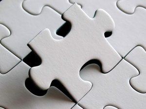 se tratan las fases del acuerdo de mediación para saber cómo funciona en la práctica. Se hace desde la perspectiva del mediador, reflejando las consideraciones que tiene que tener en cuenta para afrontar el conflicto y fomentar la cooperación de las partes en el mismo.